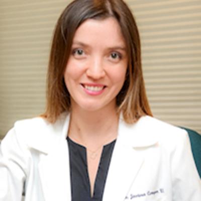 Dra. Javiera Compan
